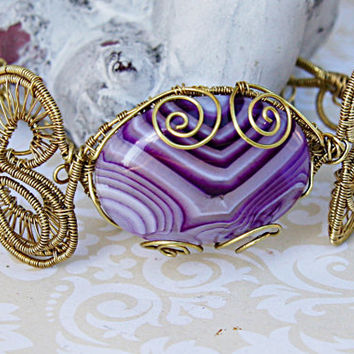 Striped Amethyst Agate Gold Color Wire Wrapped Bracelet - Purple and White Cabochon - Fancy Wire Wrapped Gold Cuff Bracelet - Amethyst Cuff