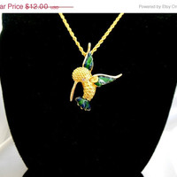 ON SALE Vintage Humming Bird Necklace