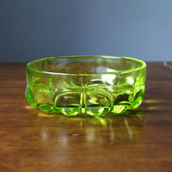 Vintage multifunctional bright lime green glass / salad bowl from the Soviet era (1970s)