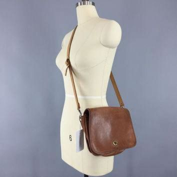 ONETOW Vintage 1970s Coach Bag / Brown Leather Cross Body Purse