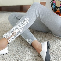 The new 2016 joker in the spring and autumn women leg Triangle side lace fashion leggings