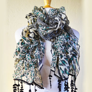 Womens patterned MULTICOLOR III scarf with leopard print pattern and wattle leaf edge