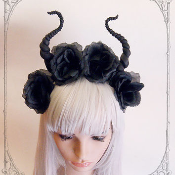 Black devil flower crown ( Horns , Headdress, Roses, Goth , Fantasy )