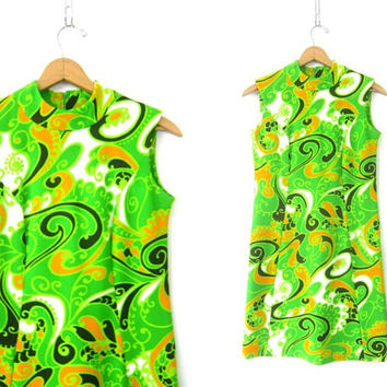 1960s Mini Shift Dress Paisley Print Graphic Dress Modern Dress Green MOD Pattern Dress Vintage Retro GOGO Dress Hipster Womens Medium