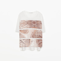 T-SHIRT WITH TEXTURED DETAIL