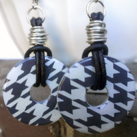 Houndstooth Washer Wire Wrapped Leather Dangle Earrings