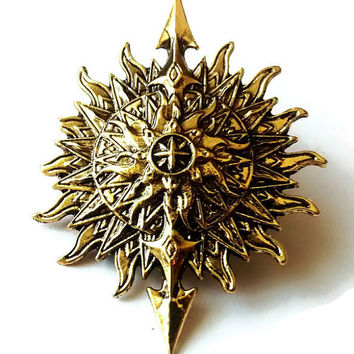 Game of Thrones jewelry - house of Martell - engraved compass - antique pin - geeky gift idea - compass jewelry - gold pin - gift for a nerd