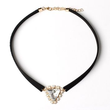Triangle crystal necklace collar