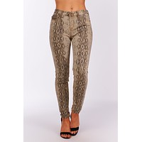 Wild And In Love Snake Print Jeans (Snake)