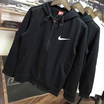 NIKE 2018 winter new plus velvet warm sports training sports jacket Black