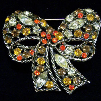Weiss Topaz Orange Rhinestone Bow Pin, Gold Tone Figural Brooch, Glass Stone Brooch, Mid Century Vintage Jewelry, Costume Jewellery 1017