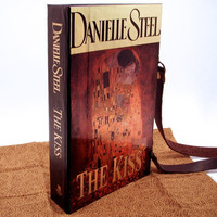Danielle Steel Book Purse with The Kiss by Klimt on the cover