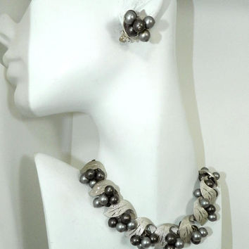 Vintage GRAPES Leaves Necklace, Smokey Gray Grey Faux Pearl Necklace Bracelet Clip Earrings Set, Vintage Jewelry Jewellery