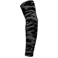 Digital Ripped camo charcoal arm sleeve