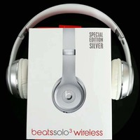 Beats Solo 3 Wireless Magic Sound Bluetooth Wireless Hands Headset MP3 Music Headphone with Microphone Line-in Socket TF Card Slot Silver I-A36H-MY