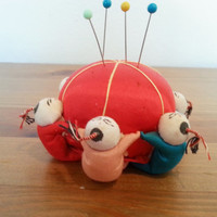 Pin Cushion, Vintage Silk Large Sewers Assistant Pin Cushion, FREE US Shipping