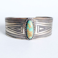 Vintage Navajo Style Patterned Cuff Bracelet with Blue / Green Turquoise Gemstone // Vintage Sterling Silver Navajo Style Jewelry, Turquoise