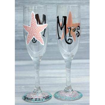 Mrs. & Mrs. Beach Wedding Champagne Glasses / Set of 2 Hand Painted Starfish Champagne Flutes