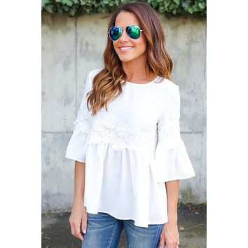 Lace Patchwork Half Trumpet Sleeves Loose T-shirt
