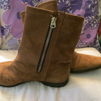 1970 Fab  Hush Puppies Brown  suede leather Faux Shearling lined  Above Ankle womens Leather Suede Mod Chukka  Boots sz 7 1/2 w
