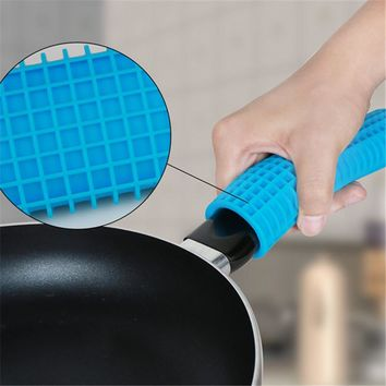Unique Kitchen Silicone Pot Pan Handle Saucepan Holder Sleeve Slip Cover Grip Gripper