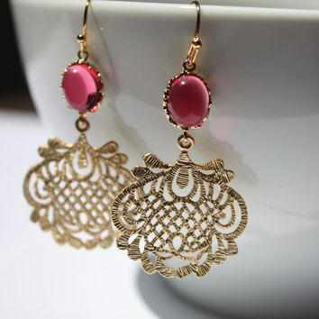 Anthropologie inspired ruby color glass and filigree crochet gold plated textured dangle earring