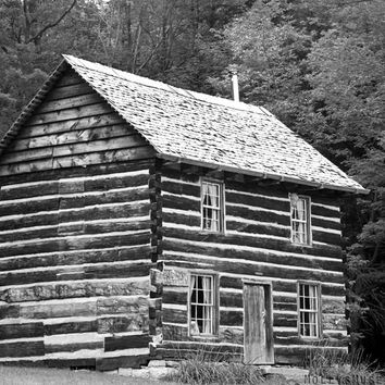Black White Photography - Bloody Knox Cabin - Historical Photo