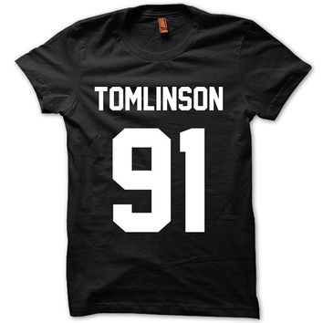 One Direction Shirt Louis Tomlinson Shirt Logo Unisex T-Shirt Tee Size S,M,L,XL (D-2)