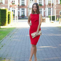 Red Sleeveless Sheath Dress