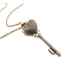Vintage Heart-Shaped Key Necklace Can Open = 1946536516