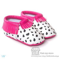 Pink/Black Baby Moccasins. Baby Girls Shoes. Photo Prop. Baby Gift. Little Girls Shoes. Accessories.