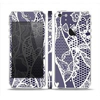 The Dark Blue & White Lace Design Skin Set for the Apple iPhone 5