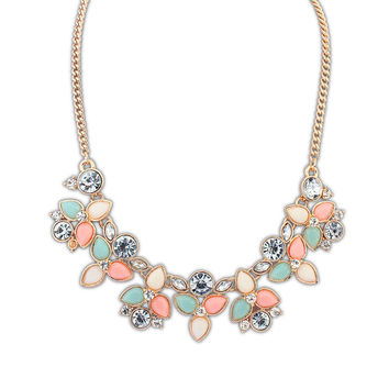 New Colorful  Fashion Leaf Rhinestone Resin Short Women Collar Choker Necklace Statement Jewelry