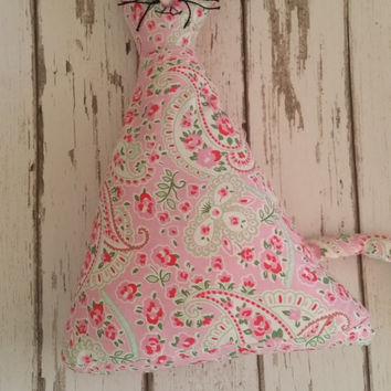 Scented door stop ~ Lavender Pussycat Doorstop / cat Bookend ~ paisley fabric material doorstop ~ gift for cat lover ~ free uk delivery