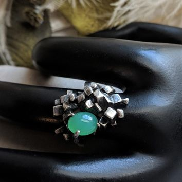 Mid Century Modernist Signed Sterling Silver & Chrysoprase Ring Size 7 1/4