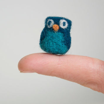 SALE - Miniature Needle Felted Pocket Owl in Teal