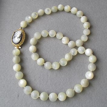 Big Vintage 12mm Mother-of-Pearl Bead Necklace with CAMEO Clasp