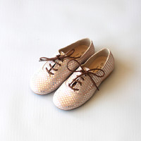 Manuela de Juan Derby Star Oxfords in Beige Pink