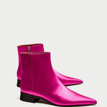 SATEEN POINTED ANKLE BOOTS WITH LOW HEEL DETAILS