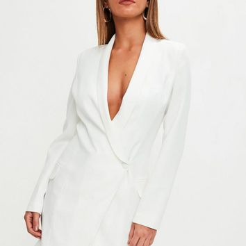 Missguided - White Asymmetric Blazer Dress