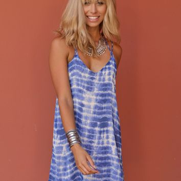 West Coast Wardrobe High Spirits Tie Dye Shift Dress in Blue