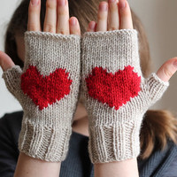 10% VALENTINES SALE... heart gloves, stone beige gloves, handmade gloves. Ready to shipping.