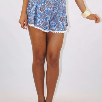 (amm) Crochet trimming floral print shorts