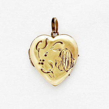 Small Vintage Heart Locket 1920s Art Nouveau French Locket Vintage Portrait Photo