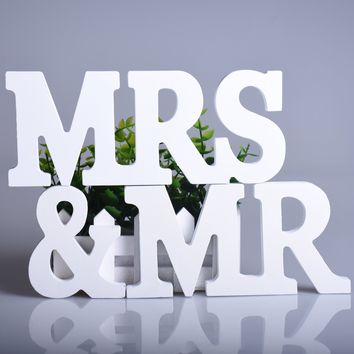 1Set Big Size Wooden Letters, Sign White Mr & Mrs