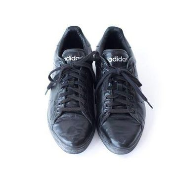 DCCK8X2 ADIDAS Leather Sneakers Vintage Black Tennis Shoes Womens Size 10.5 Mens Size 9.5
