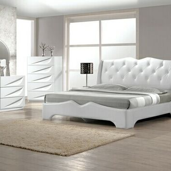4 Pc Madrid White Lacquer Finish Wood Modern Style Queen Bed Set With  Silver Accents And