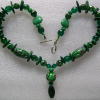 "Lovely Vintage Green Malachite Gemstone Hand Painted and Faceted Glass Fancy Cut Heart Shaped Beads Necklace 18"" Long 86.6gram Pretty Colors"