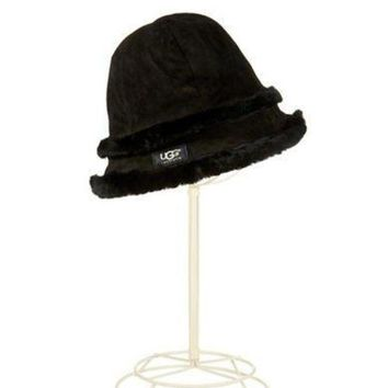 CREY1O Ugg Australia Ladies Shearling and Leather Bucket Hat