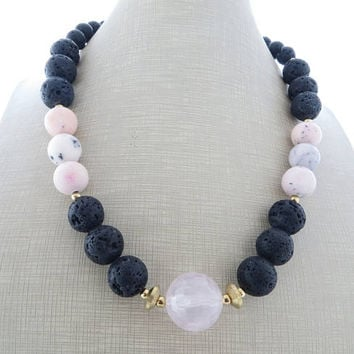 Rose quartz necklace, black lava rock necklace, chunky choker, pink opal necklace, beaded necklace, modern jewelry, italian jewelry gioielli